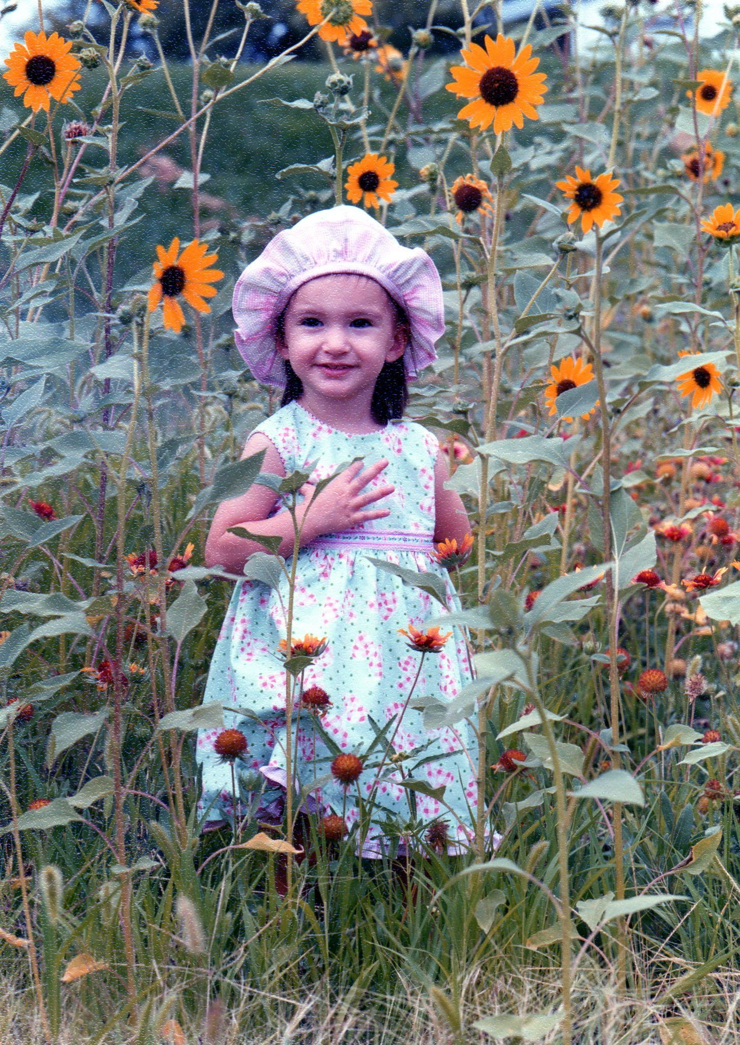 Pretty girl with Sunflowers ♥ (With images) Virtual