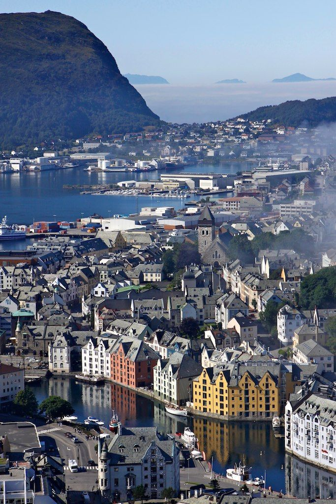 Alesund In Winter The Most Beautiful City In Norway Alesund Norway Cool Places To Visit