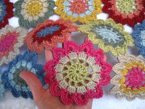 Japanese Flower Scarf :: Ta-dah! | Japanese flowers, Japanese books ...