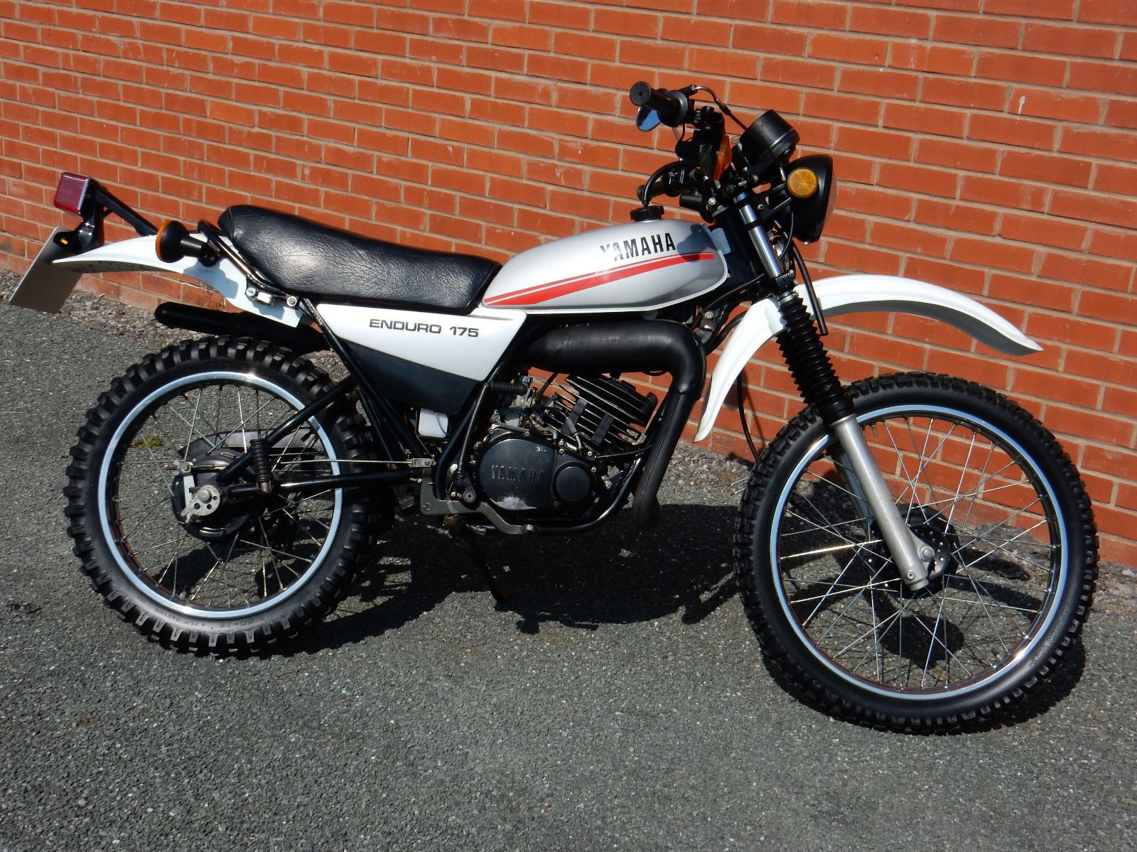 yamaha dt 175 enduro 1979 171cc matching nos uk bike mot 39 d july 2017 yamaha. Black Bedroom Furniture Sets. Home Design Ideas
