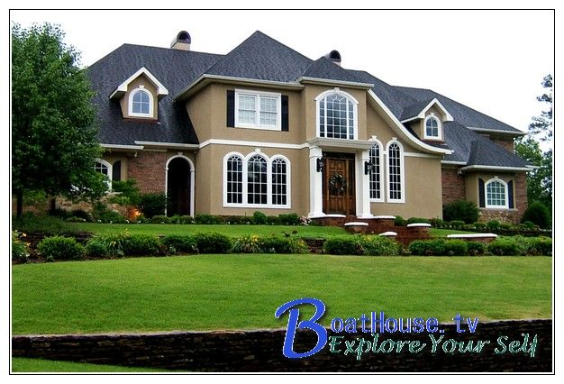 Great share Colonial home landscaping