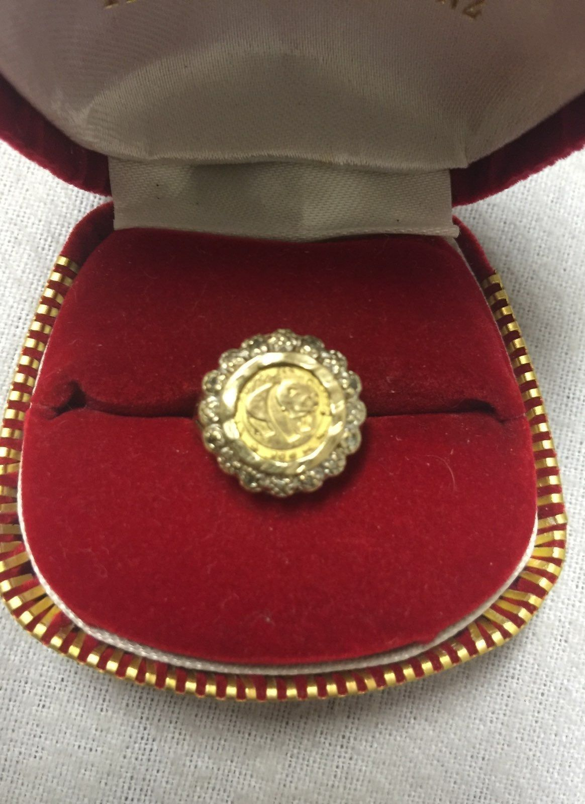Selling A Beautiful 1983 Chinese Panda Copy Ring The Ring Is 10k And Coin Stamp 99 9 Gold Content In Chinese Which I Beli Gold Coin Ring Coin Ring Gold Coins