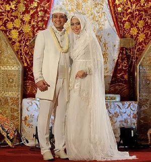 Inspirasi Foto Pengantin Muslim Modern Tapi Tetap Syar I Gaun Putih