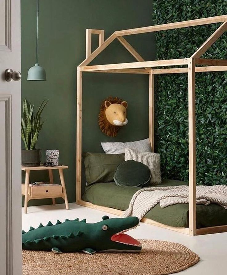 Kinderzimmer Grün Tiere Modern Schlicht Natur