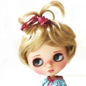 http://fleurdelysdoll.com/6976-31078-thickbox_default/perruque-wig-blonde-pour-poupees-blythe-neo-blythe-10-11.jpg