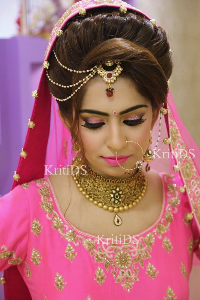 2f86830da7 Amazing chutty n hairstyle combination. Amazing chutty n hairstyle  combination Pakistani Bridal, Bridal Lehenga, Indian ...