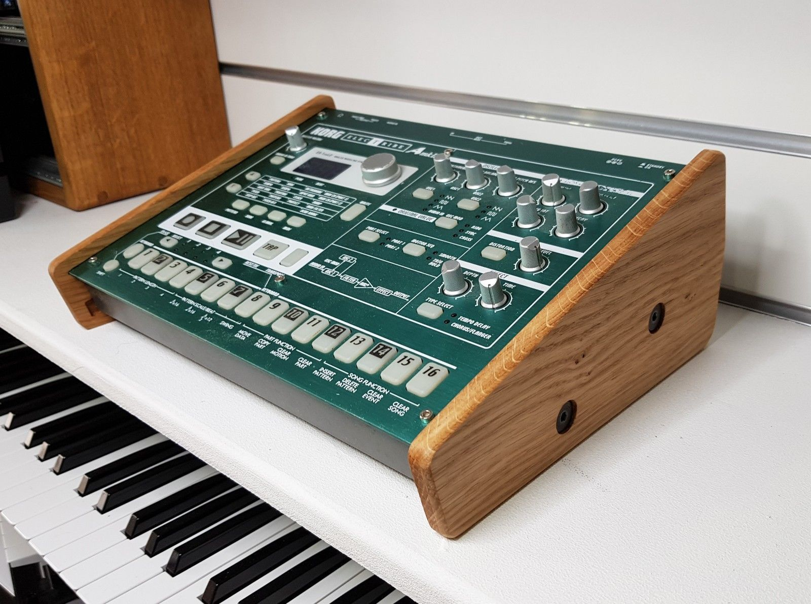 SOLID OAK DUAL KORG VOLCA STAND FROM SYNTHS AND WOOD