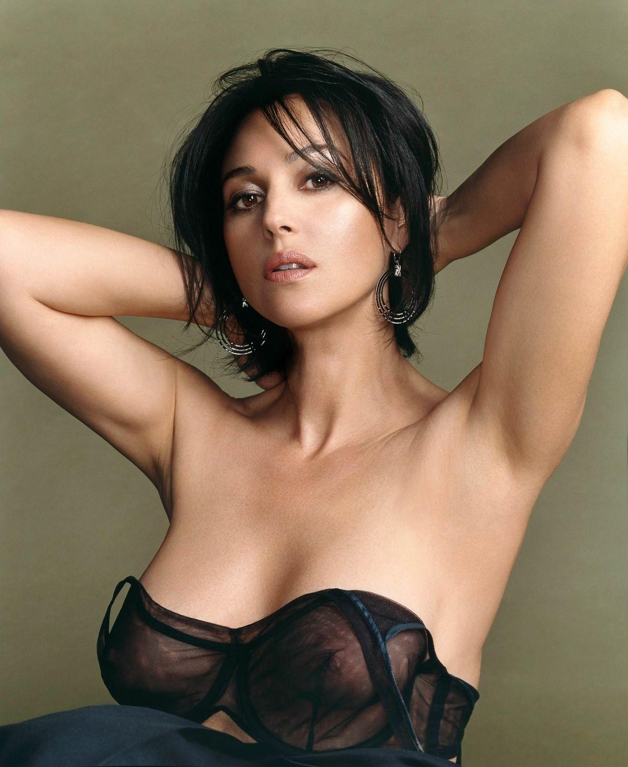 Celebrityplunge Gorgeous Monica Bellucci