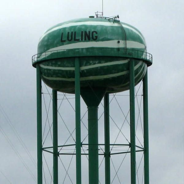 Welcome To The Weird World Of Water Towers 29 Photos Water Tower Tower Light Tower