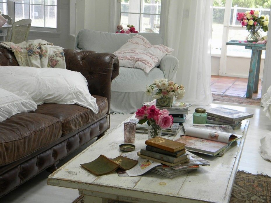 Living Rooms With Brown Leather Sofas