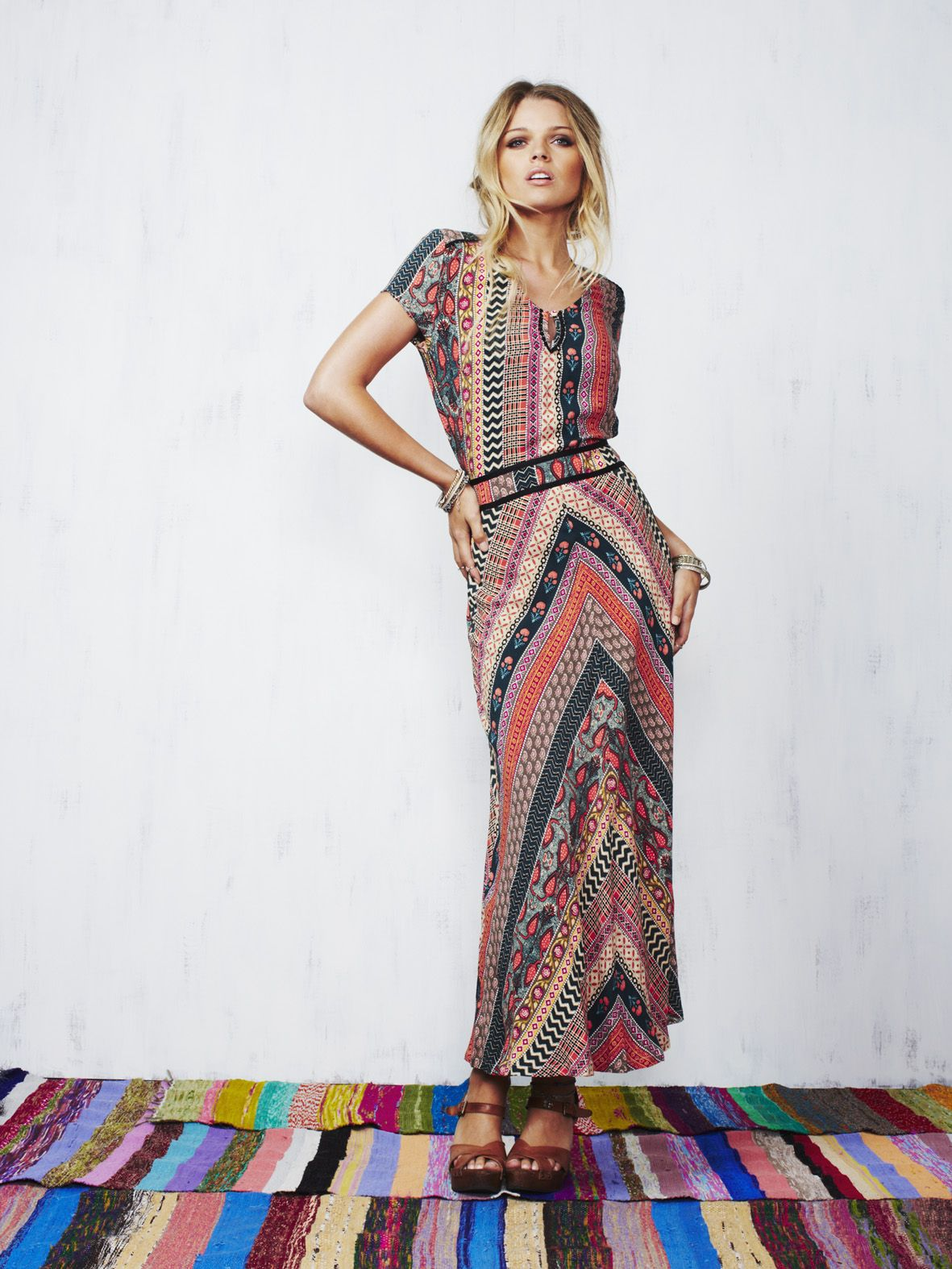 463bc9869fc998 STUNNING Tigerlily dress. Beautiful bohemian print & perfectly cut. A  spring/summer must have.