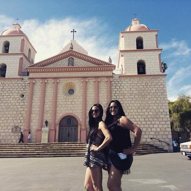 Sash sighting at the Santa Barbara Mission. ‪#‎sightseeing‬ ‪#‎handsfree‬ ‪#‎stylish‬ ‪#‎organized‬ ‪#‎sashbag