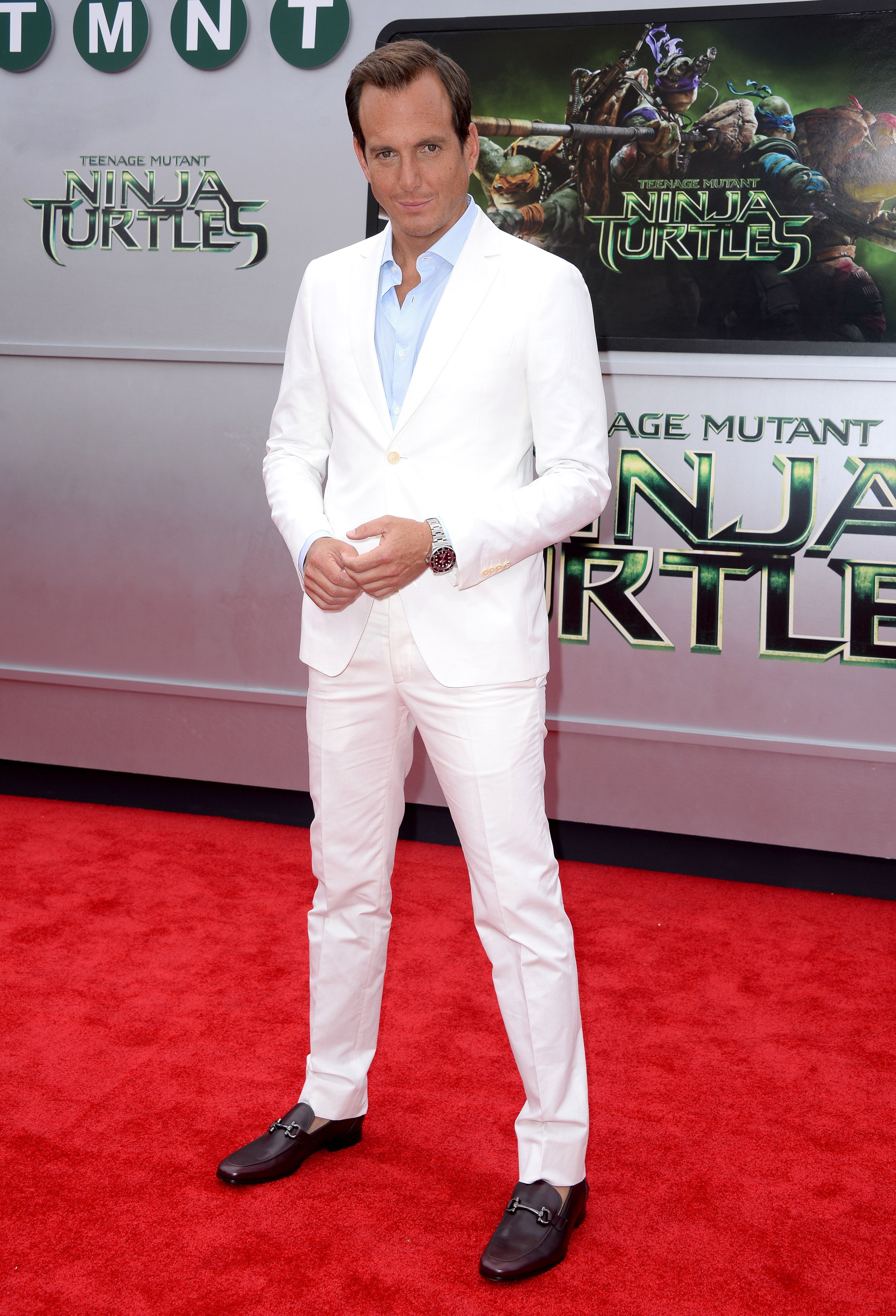 "Guys can wear white, too! Will Arnett wore a Salvatore Ferragamo in white linen to the LA premiere of ""Teenage Mutant Ninja Turtles."""