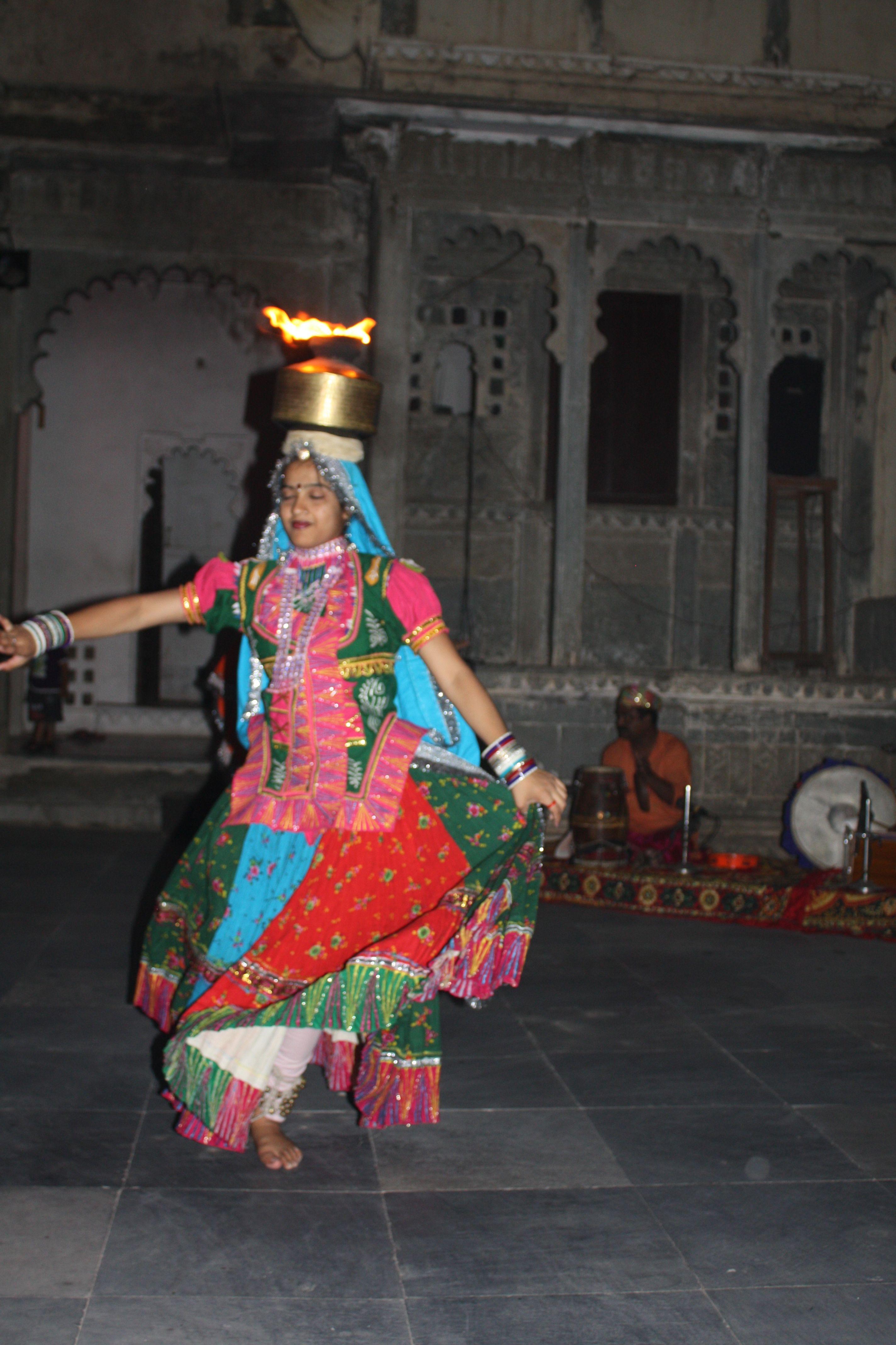 Danses traditionnelles. Pour plus d'infos, consultez www.voyageinindia.fr