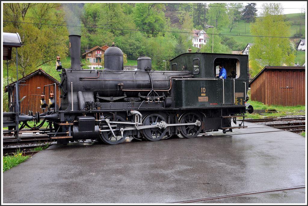 E 3/3 10 (Baujahr 1907, 35 t, Vmax 45 km/h, ex. SBB Nr
