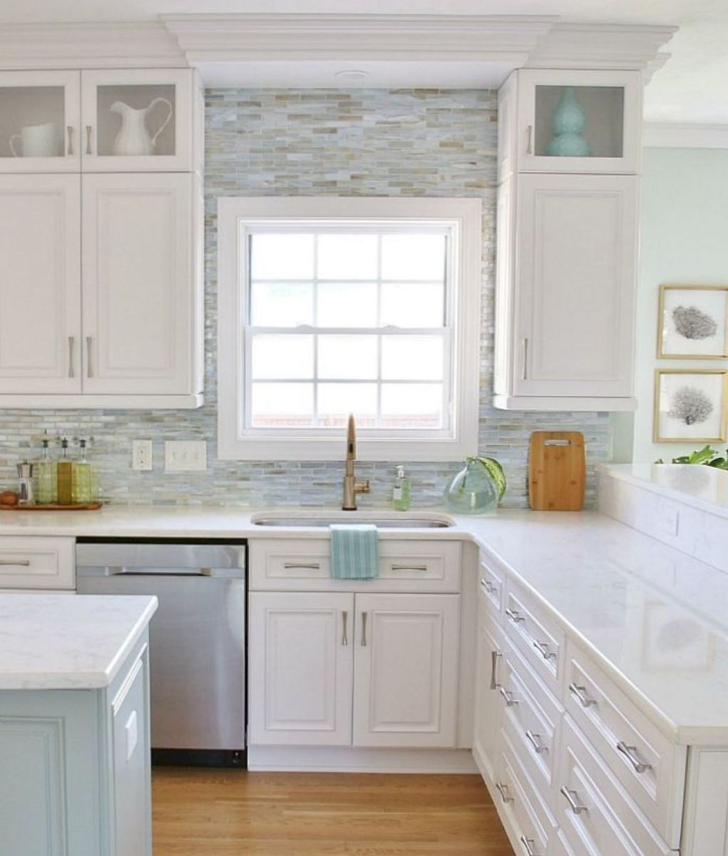 Beachy And Bright Love It Coastal Kitchen Design Beach House Kitchens Kitchen Cabinets Decor