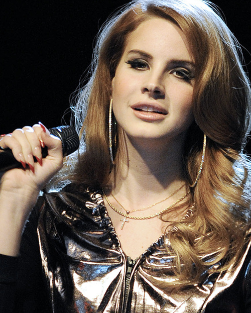 Lana Del Rey strips naked for photo shoot - Celebrities