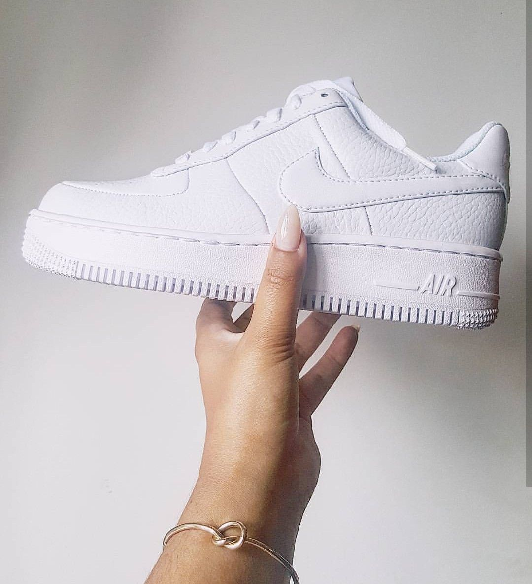 Nike Air Force 1 in whiteweiß Foto: sorayajoyx