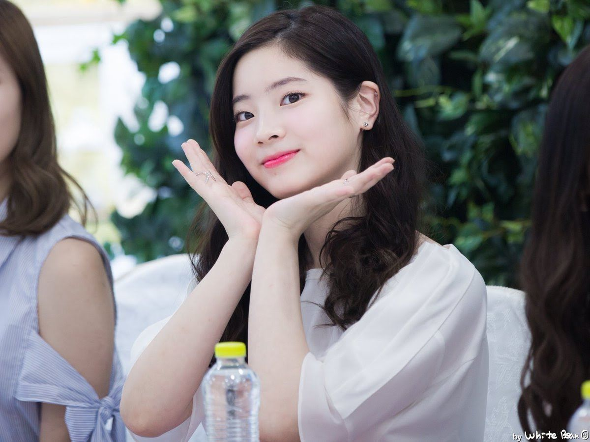 7 Easy Ways To Appear More Attractive That K Pop Idols Use Kpop Idol Kpop Girl Groups Twice Dahyun
