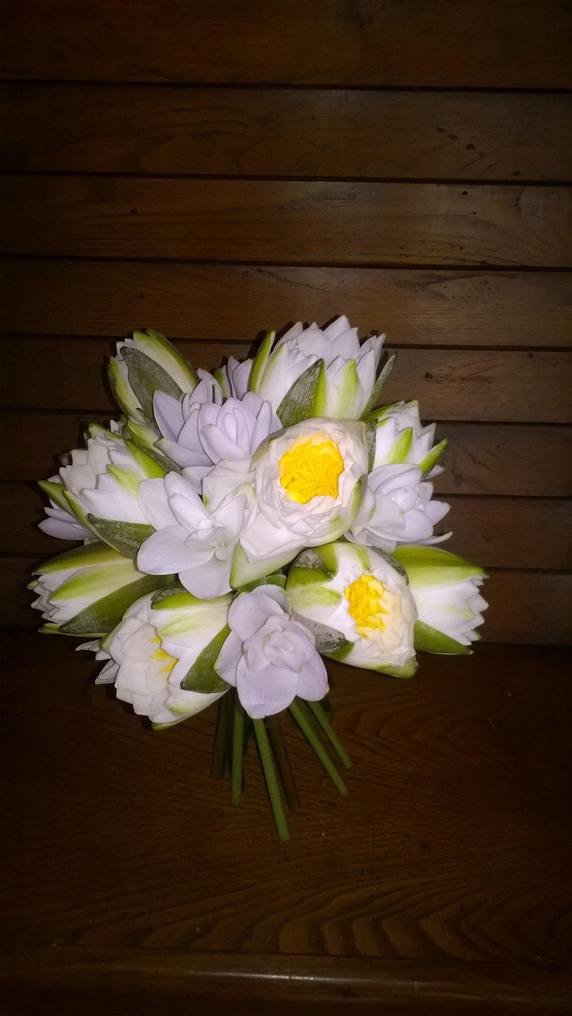 Bouquet Da Sposa Di Ninfee E Tuberosa. Giugno 2016