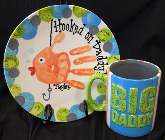 Hooked on daddy handprint plate mothers day gift ideas for Handprint ceramic plate ideas