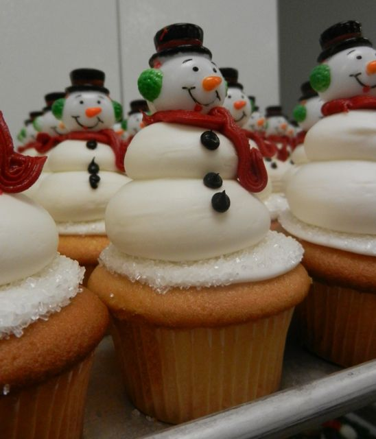 Frosty Snowmen Cupcakes Holiday Sweets Pinterest Cake