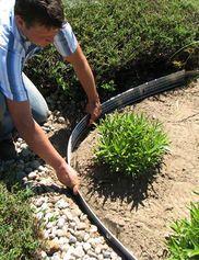 Pound In Plastic Landscape Edging Lawn Edging Small Backyard Landscaping Metal Garden Edging Backyard Landscaping