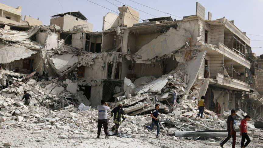 Luchtaanvallen op wijken van Aleppo waar opstandelingen zitten | NOS