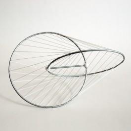 Oloid Sculpture de bureau /él/égante influenc/ée par un design math/ématique et g/éom/étrique parfait avec un mouvement hypnotique cadres et enseignants Cadeau parfait pour les professionnels