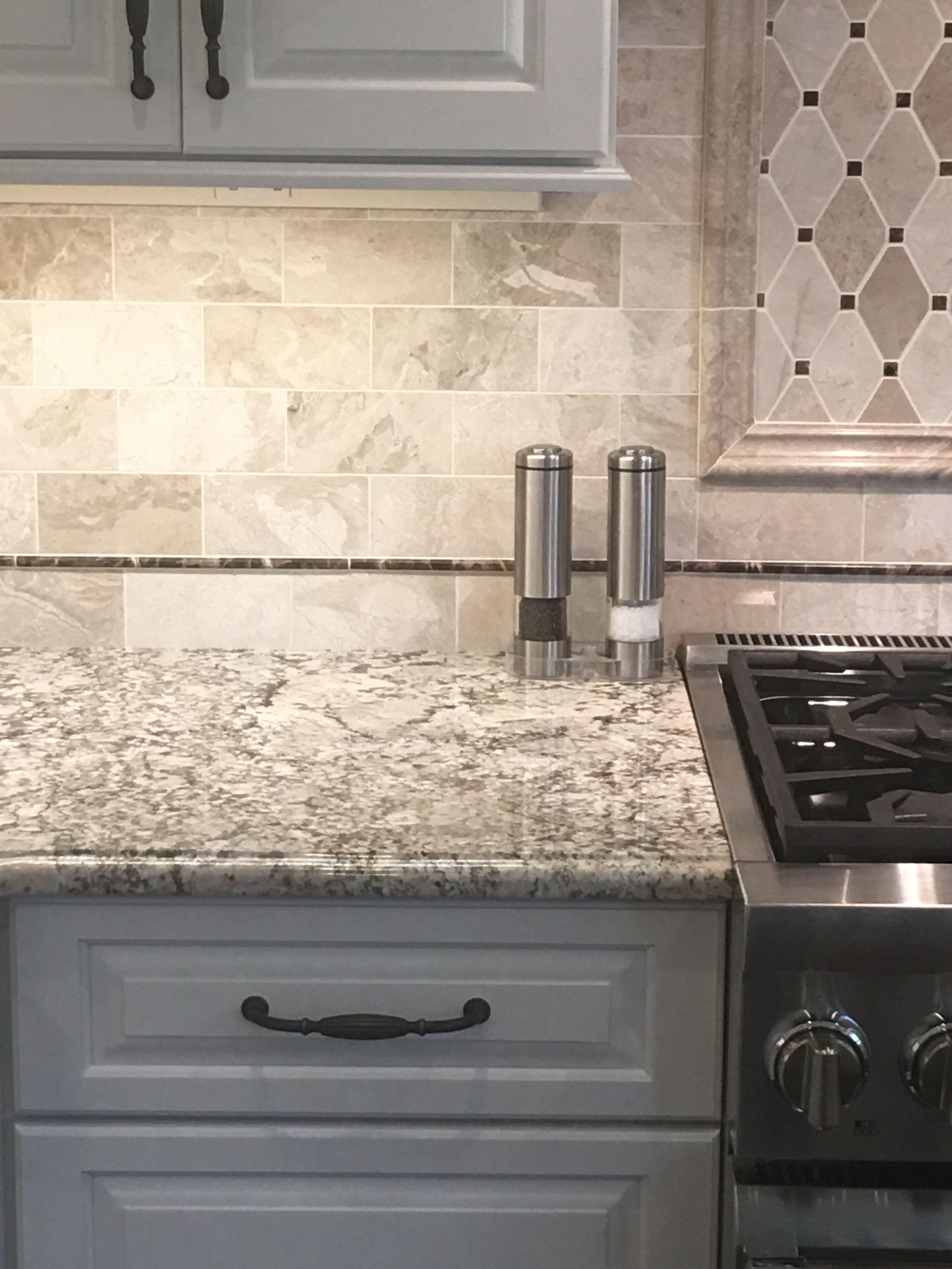 Backsplash Queen Beige Marble Subway Tile With White Zanzibar