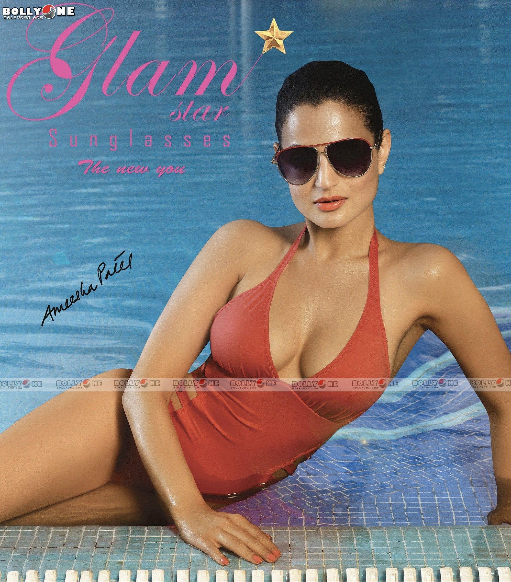 Amisha Patel Hot Boobs Pics pin on bollywood