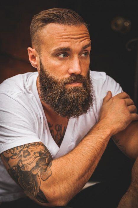 Corte de cabello y barba larga