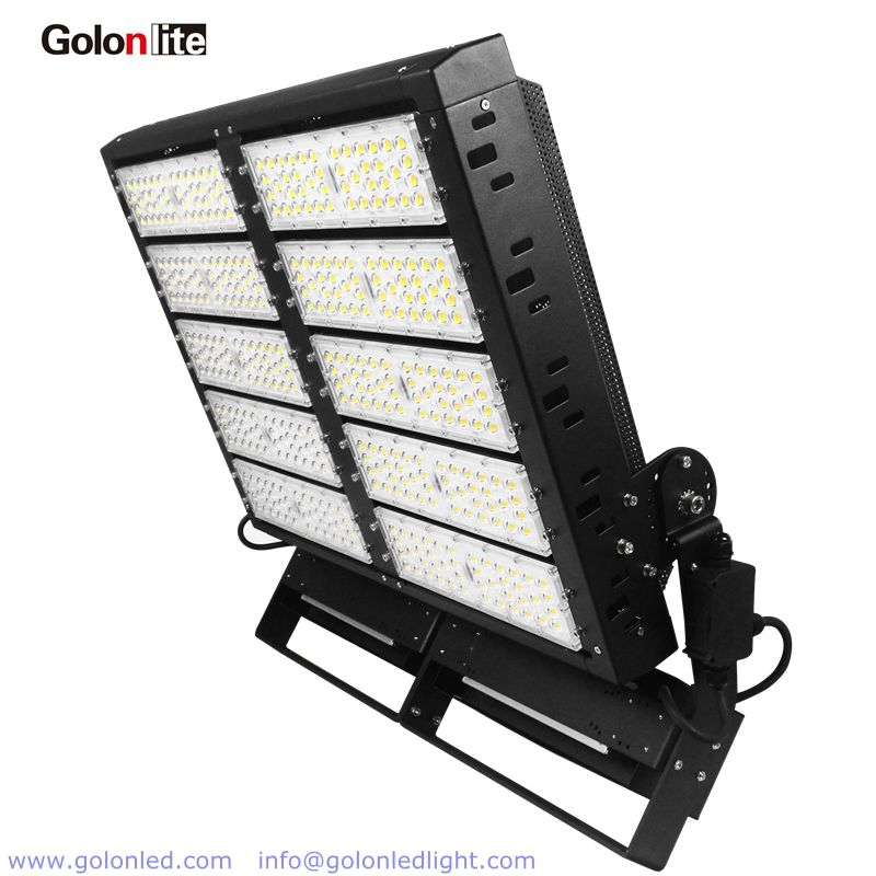 Outdoor Led Flood Light For Stadium Sport Courts 1000w 140lm W Ip66 Dimmable 100 277vac Stadiumlights Ledstadium Stadium Lighting Led Flood Lights Led Flood