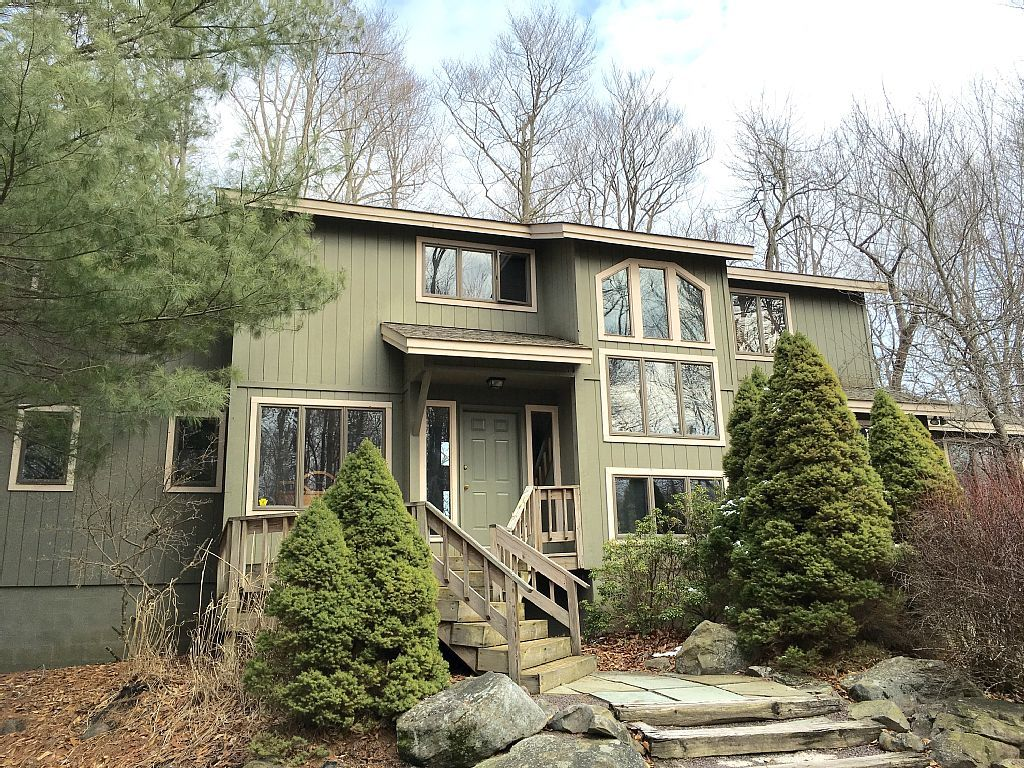 House vacation rental in timber trails pocono pines pa