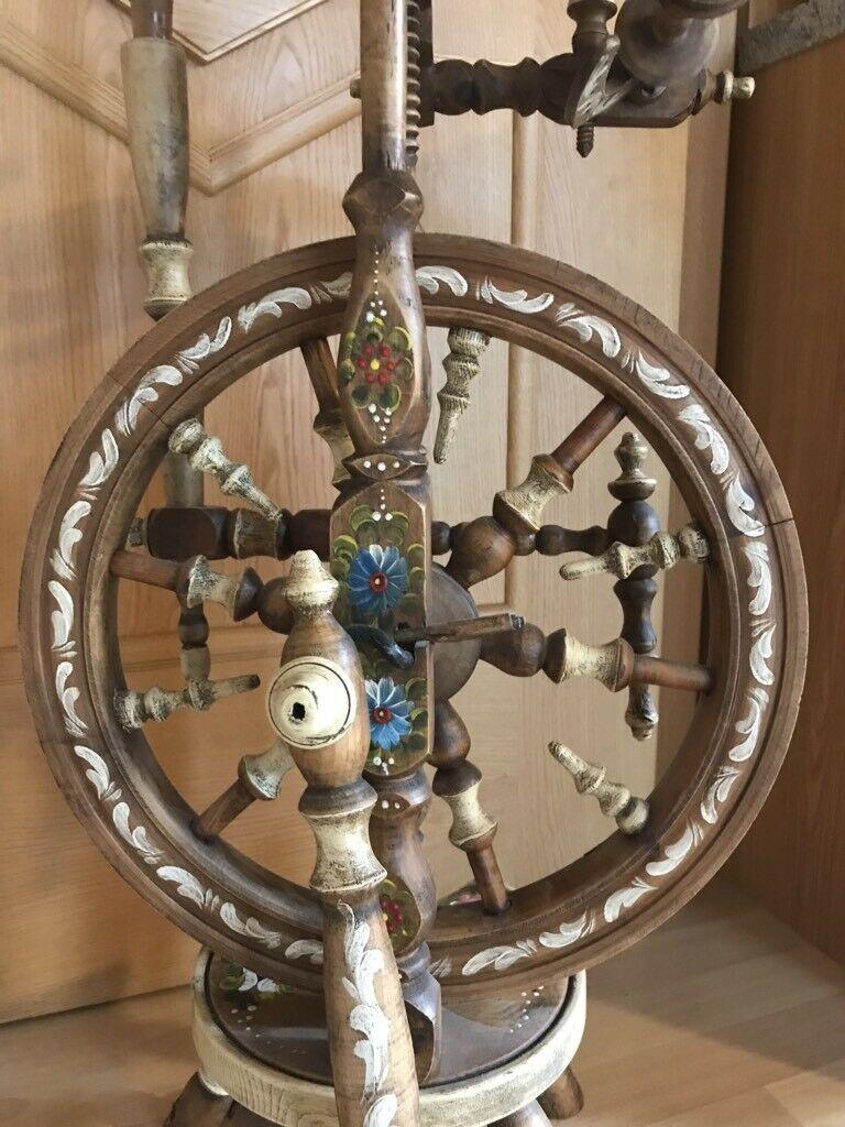 Spinnrad handgemalt in Bayern Krün Kunst und