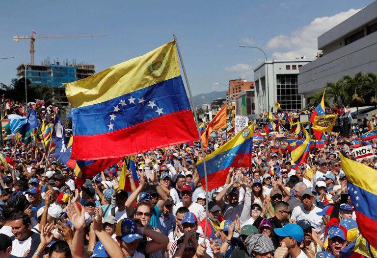El Clamor De Los Venezolanos Con Cornetazo Del Metro Te Pondrá La Piel De Gallina 2feb Video Lapatilla Com Piel De Gallina Venezolana Nivel De Confianza