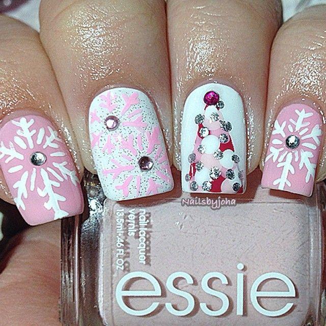 Manucure de Noël en rose !