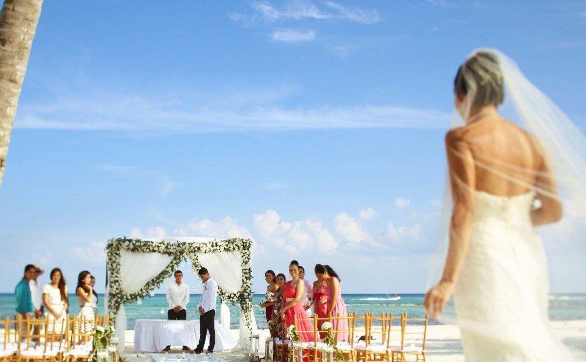 Average cost of an allinclusive destination wedding in