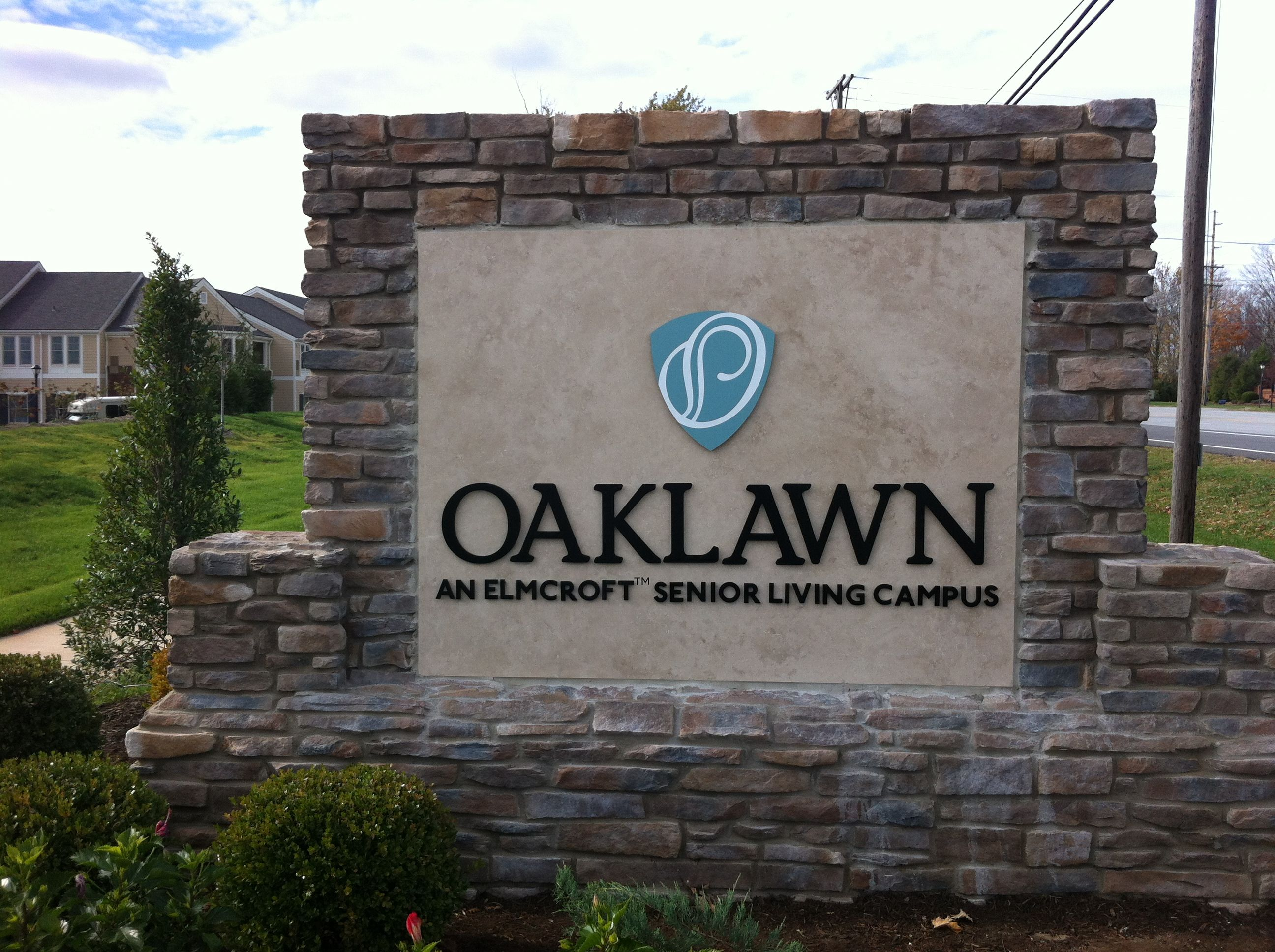 oaklawn an elmcroft senior living campus located in louisville ky