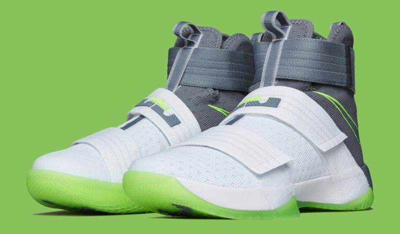 finest selection e3fb6 1b64b Nike LeBron Soldier 10