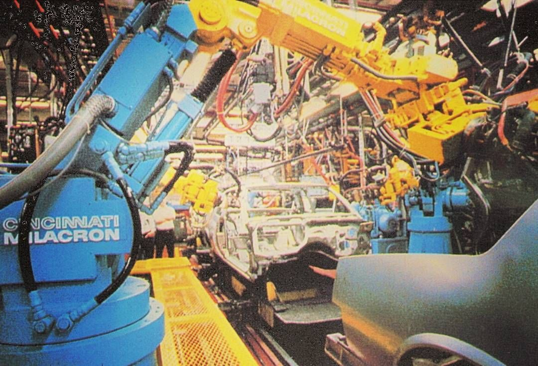 Cincinnati Milacron robotic arms for welding and manufacturing cars in the 80's. When they started to step away from their mills and grinders.  #cincinnatimilacron #machineporn #machinistlife
