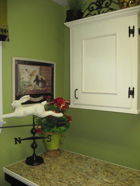 Merveilleux Laundry Room Makeover....dress Up Plain Cabinet Doors W/ Trim