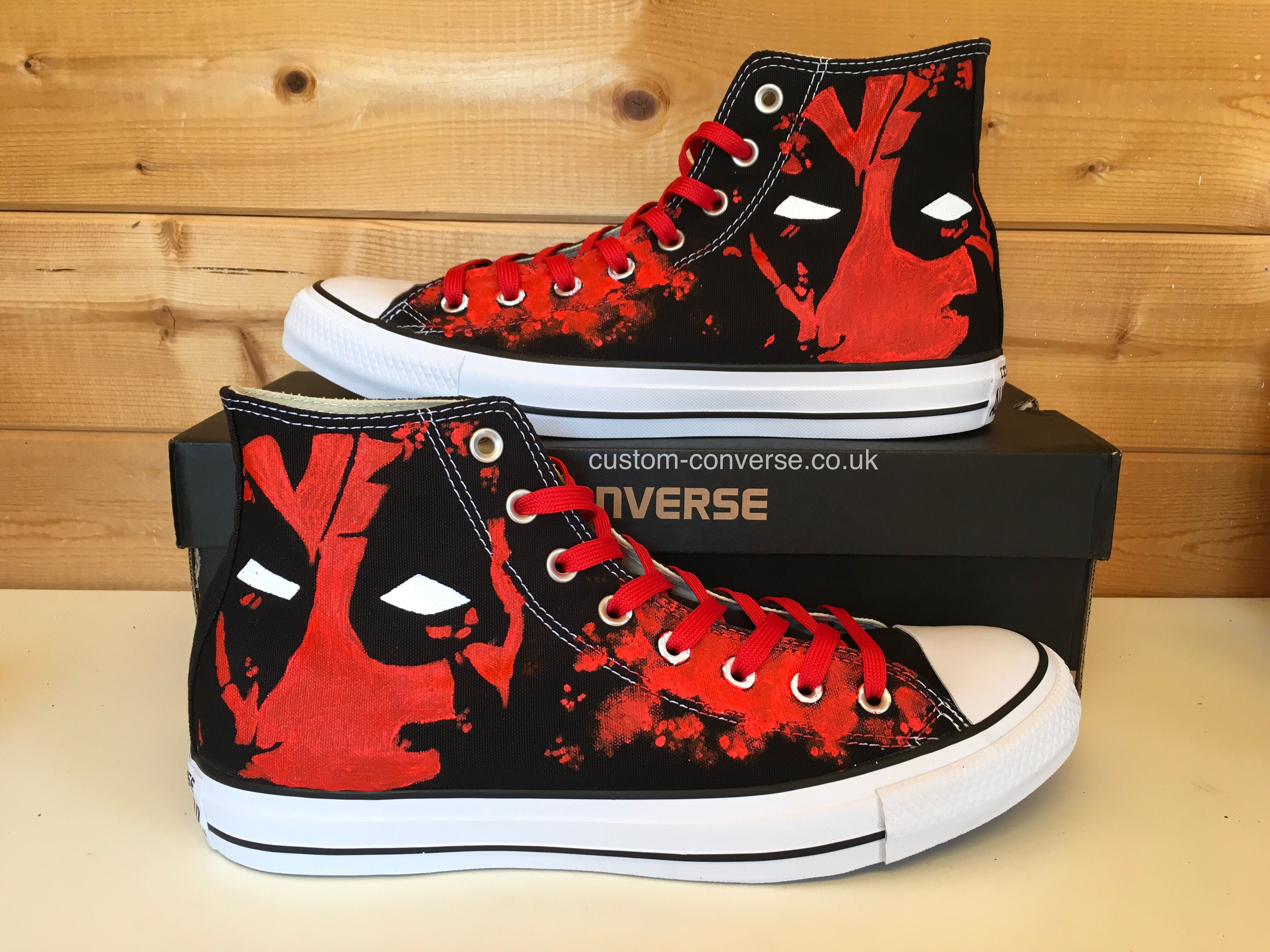 Deadpool Converse  d793a3865