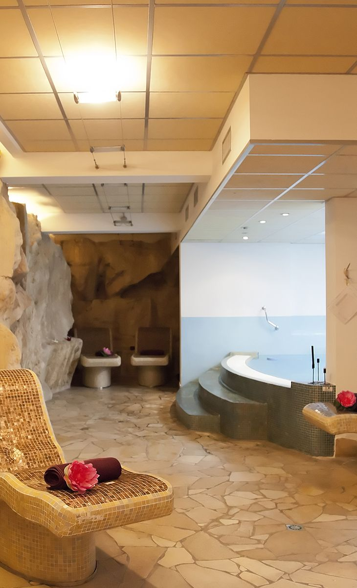 Il caratteristico centro benessere dell\'Hotel Tritone,a Lipari ...