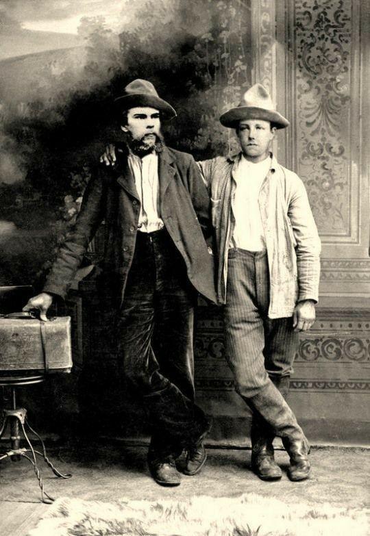Paul Verlaine & Arthur Rimbaud in 1873. | Écrivains et poètes ...
