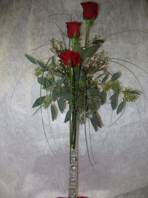 Varying colors and size between flower arrangements is a