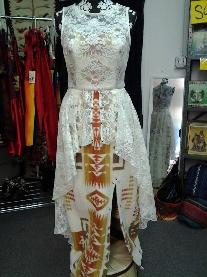 Pin de Bettina Sherman en Fashion - Navajo & Native designs | Pinterest