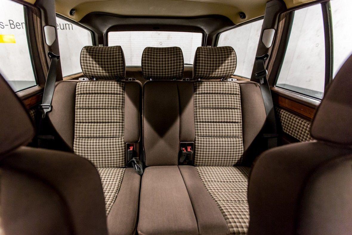 mercedes benz s124 sportline with sport cloth seats a m. Black Bedroom Furniture Sets. Home Design Ideas