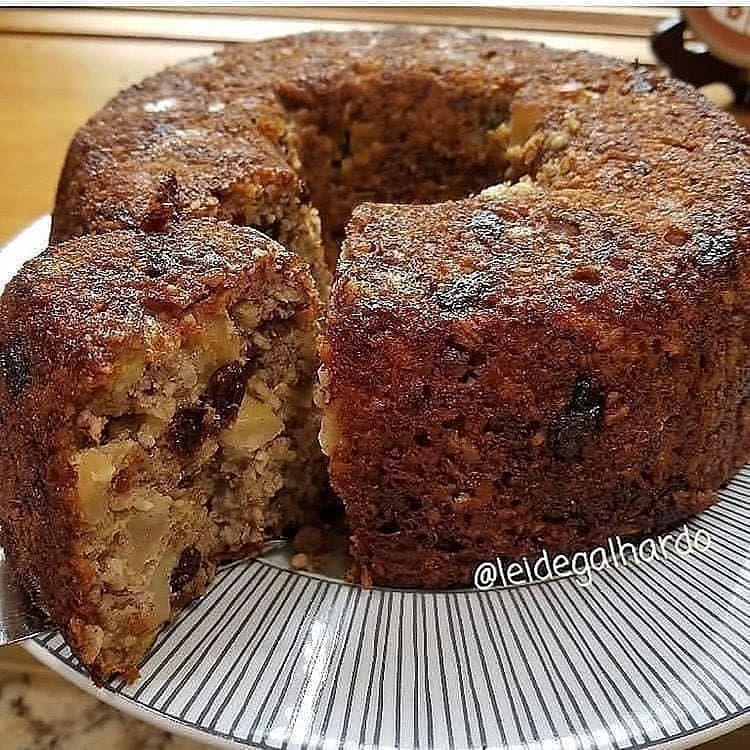 Bolo De Banana Com Macas Food Chocolate Desserts Cake Recipes