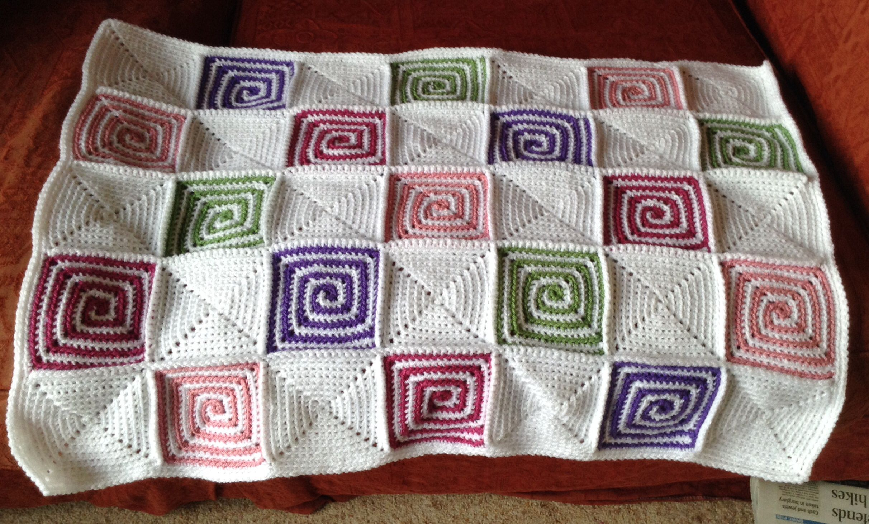 Crochet pinwheel baby blanket